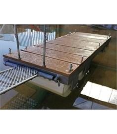 Il pontile con galleggiante rotante